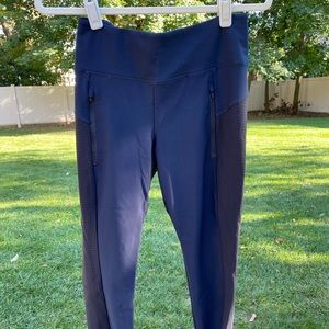 Athleta pants, size SP navy with black